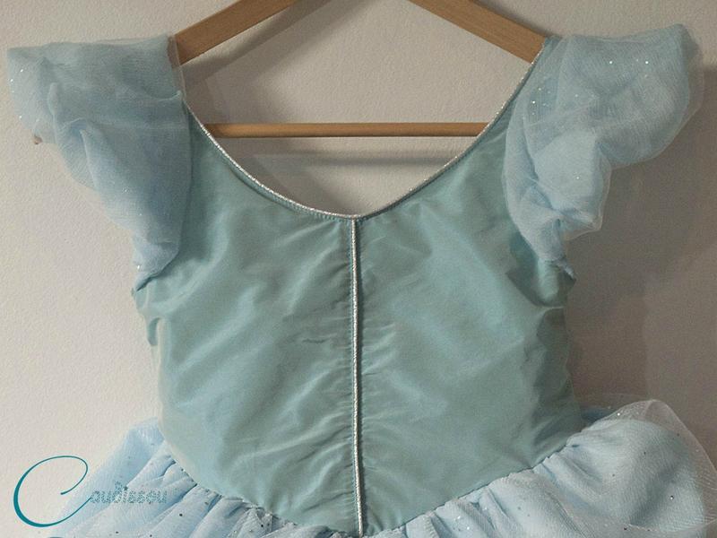 Robe-Cendrillon-épaulettes-bouffantes