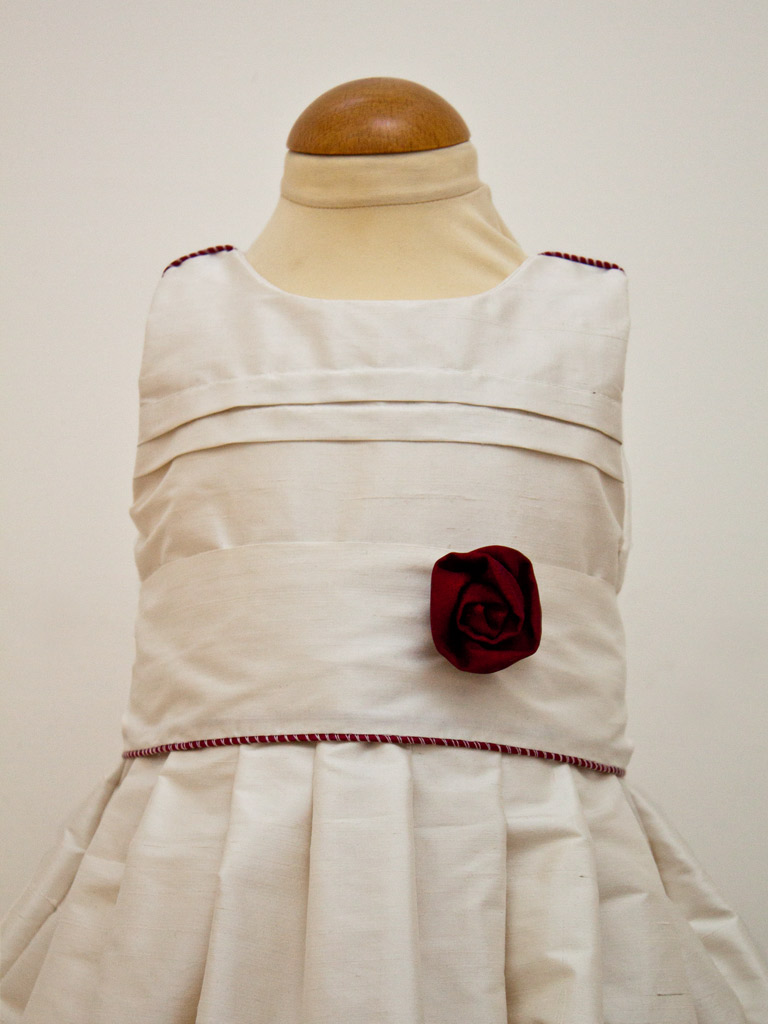 plis-religieuse-robe-bapteme
