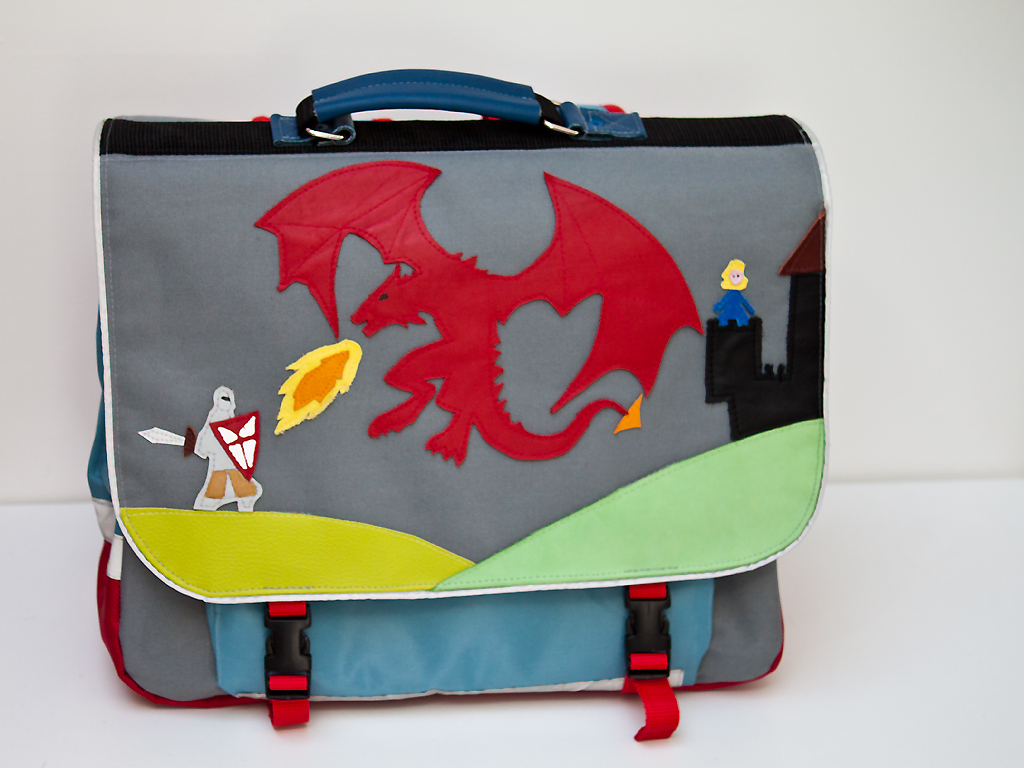 cartable-dragon-mechant
